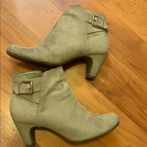 Sam & Libby booties, size 7 1/2
